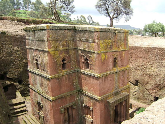 1280px-Bet_Giyorgis_church_Lalibela_01.jpg