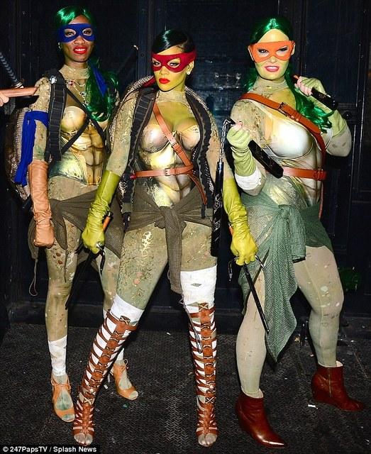 1414846893923_Image_galleryImage_Rihanna_was_spotted_celeb.jpg