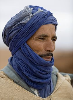 250px-Nomadic_Berber_in_Morocco.jpg